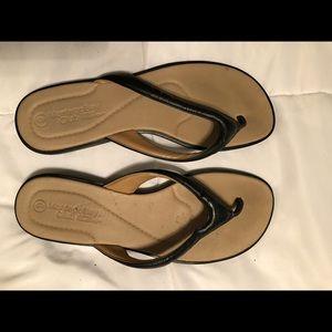 New black Montego Bay Sandals, size 9